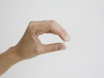 Chcesz mieć mocne paznokcie a stosujesz mało urozmaiconą dietę - sięgnijmy po suplementy  /© Panthermedia