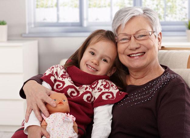 Chciałabym lepiej dogadywać się z wnuczkami /©123RF/PICSEL
