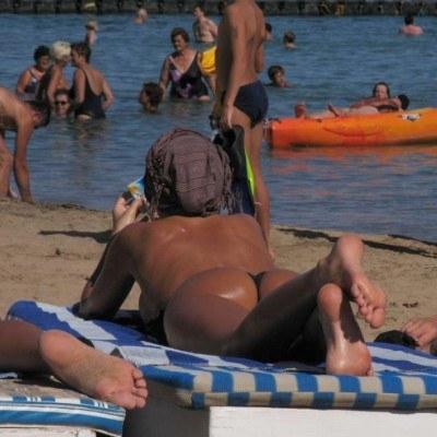 Chętnie opalamy się topless, fot. Piotr Bławicki /Agencja SE/East News