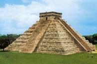 Chichén Itzá, piramida /Encyklopedia Internautica