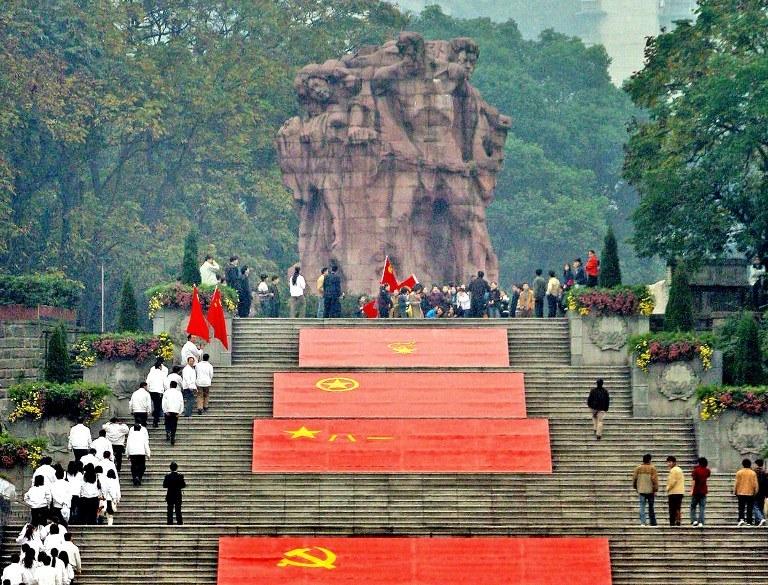 Chińczycy chcą, by świat pamiętał o ich wojennej ofierze. Na zdjęciu - monument upamiętniający ofiary wojny chińsko-japońskiej w zbombardowanym przez Japończyków mieście Chongqing /AFP