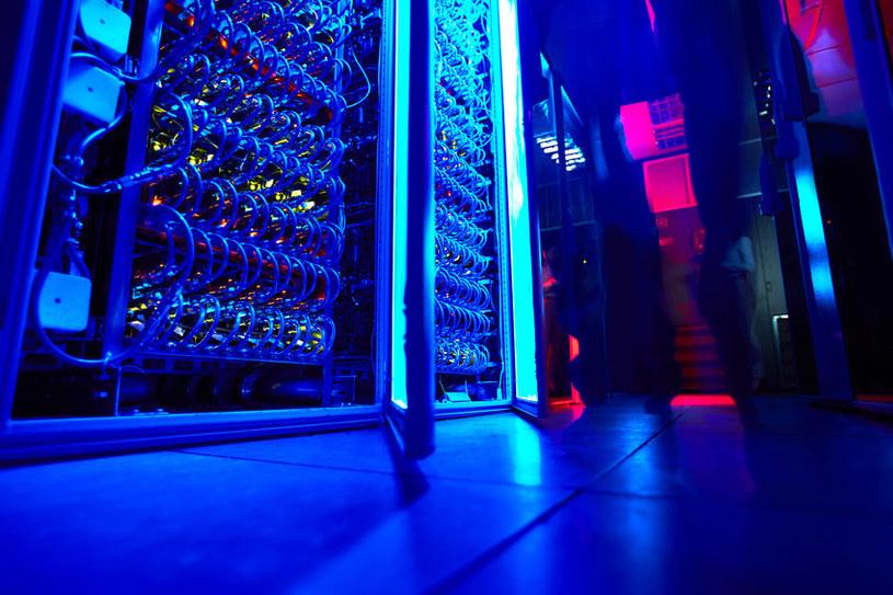 Chińska maszyna będzie zdolna do wykonywania miliona bilionów operacji zmiennoprzecinkowych na sekundę /©123RF/PICSEL