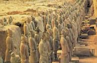 Chińska sztuka: terakotowa armia cesarza Szy Huang-ti, 210 r. p.n.e /Encyklopedia Internautica