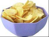 Chipsy to jedna z najbardziej ulubionych przekąsek Polaków /INTERIA.PL