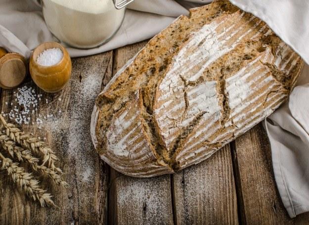 Chleb drożdżowy czy chleb na zakwasie? Wybierz ulubiony! /©123RF/PICSEL