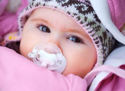 Chłód nie powinien być argumentem, dla którego zostajemy z maluszkiem w domu /© Panthermedia