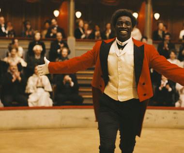 """""""Chocolat"""": Omar Sy w roli czarnoskórego klauna"""