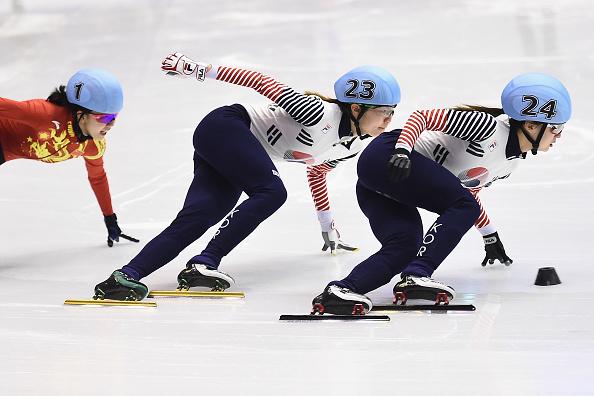 Choi Min-Jeongn na lodzie opanowana i nieokazująca emocji /Getty Images