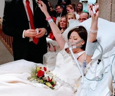 Chora na raka wzięła wymarzony ślub. Na 18 godzin przed śmiercią