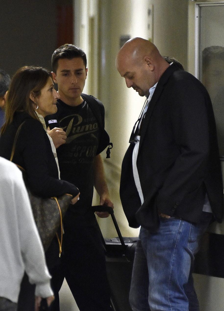 Christine i Philippe Bianchi przed szpitalem w Yokkaichi, w którym przebywa ich syn Jules Bianchi /FRANCK ROBICHON /PAP/EPA