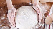 Chrupiący chleb z domowej piekarni