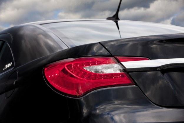 Chrysler 200C /