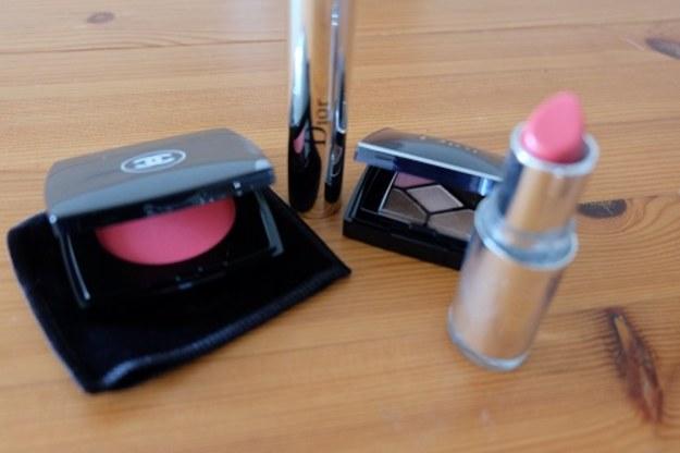 Chwila przyjemności – wiosenny makijaż oraz kilka słów o tym portalu
