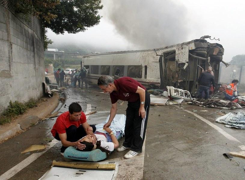Chwilę po katastrofie hiszpańskiego pociągu /AFP