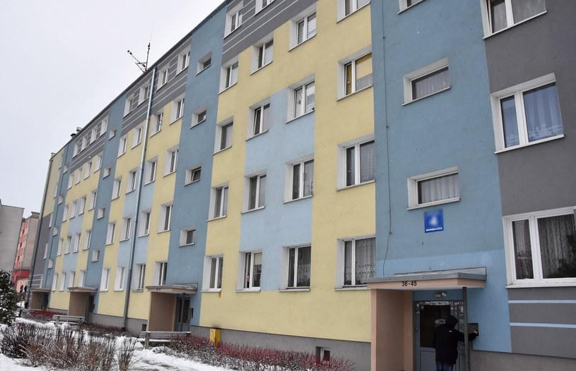 Ciała noworodków znaleziono na balkonie /Tomasz Waszczuk /PAP
