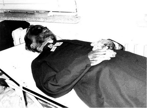 Ciało zamordowanego przez SB ks. Jerzego Popiełuszki /Laski Diffision /East News