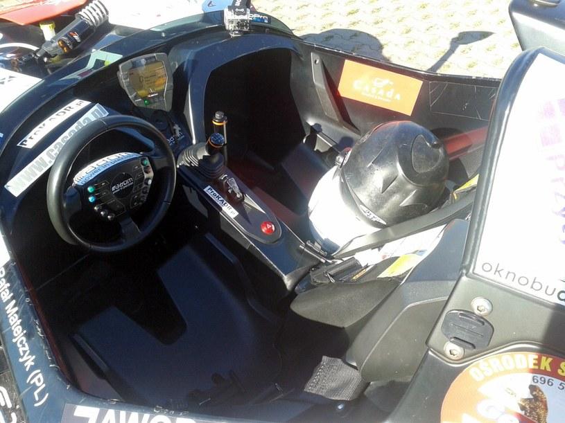 Ciasne wnętrze KTM X-Bow /Rafał Walerowski /INTERIA.PL