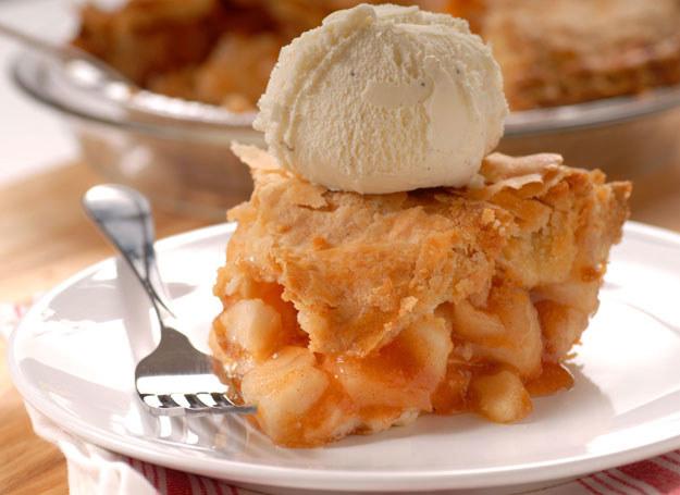 Ciasta z jabłkami są pyszne, a ich przygotowani zajmuje kilka chwil /Picsel /©123RF/PICSEL