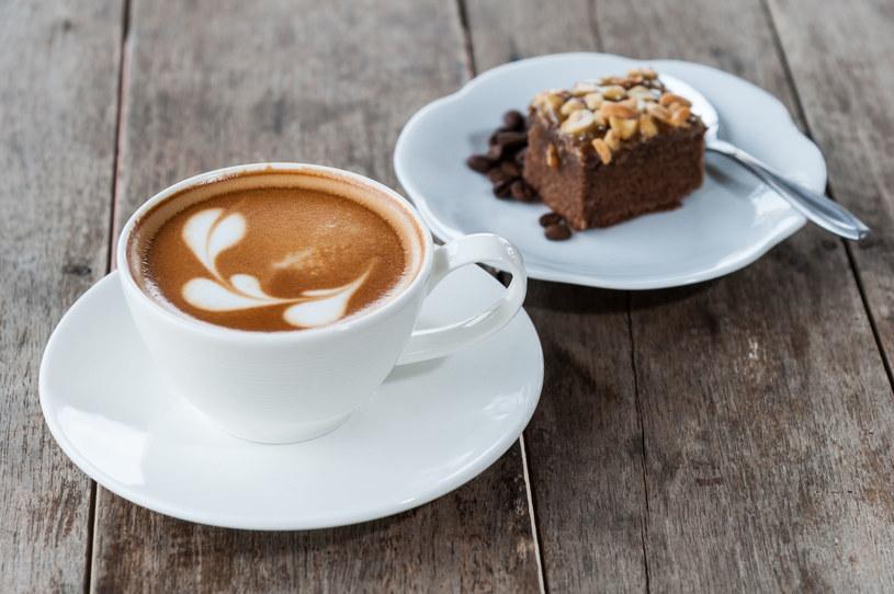 Ciasto czekoladowo-kawowe /123RF/PICSEL