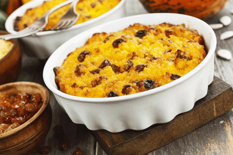 Ciasto mozesz przygotować z kaszy jaglanej /123RF/PICSEL