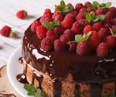 Ciasto z malinami w czekoladzie