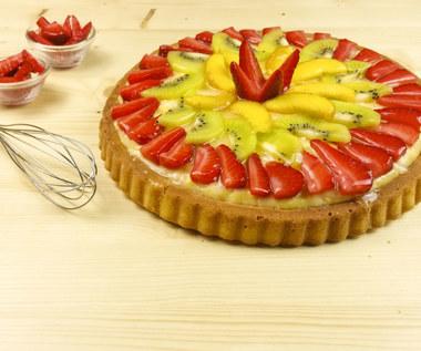 Ciasto z owocami, budyniem i galaretką