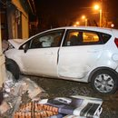 Ciechanów: Samochód wbił się w budynek