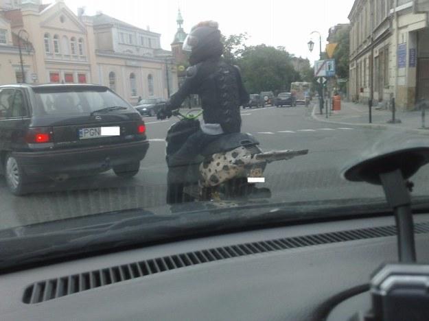 Ciekawostka na skuterze.