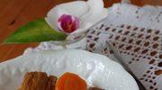 Cielęcina w marchewkach i w suszonych śliwkach// Veau aux carottes et aux pruneaux.