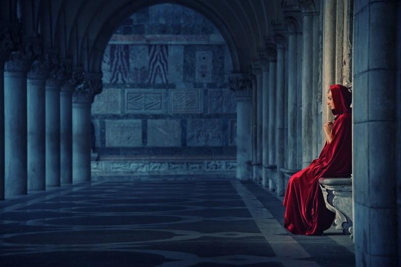 """""""Ciemne postacie w historii Kościoła. Mity, kłamstwa i legendy"""" /©123RF/PICSEL"""