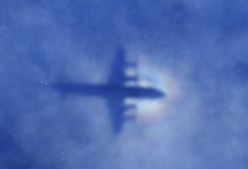 Cień nowozelandzkiego samolotu zaangażowanego w poszukiwania zaginionego Boeinga 777 /AFP