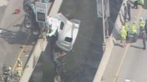 Ciężarówka zawisła na krawędzi mostu! Nie zgadniecie, kto prowadził!