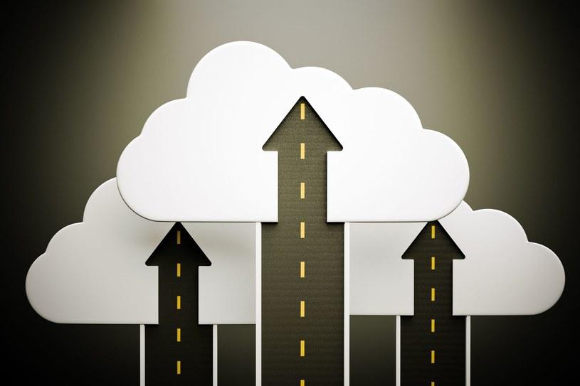 Cloud computing - obliczanie w chumrze. Ta technologia okazuje się być bardzo pomocna także na Starym Kontynencie /123RF/PICSEL