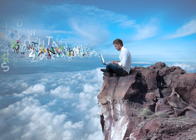 Cloud computing (przetwarzanie w chmurze) nadal pozostaje jednym z najważniejszych trendów w technologiach /123RF/PICSEL