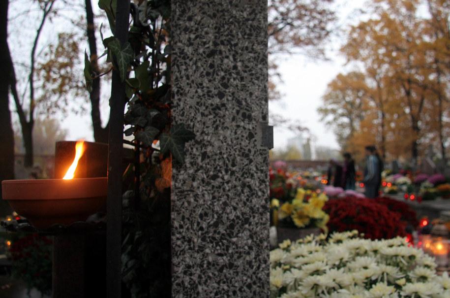Cmentarz Bródnowski w Warszawie /Leszek Szymański /PAP