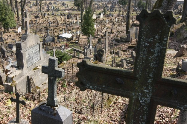 Cmentarz na Rossie będzie odnowiony /ANDRZEJ MITURA/REPORTER /East News