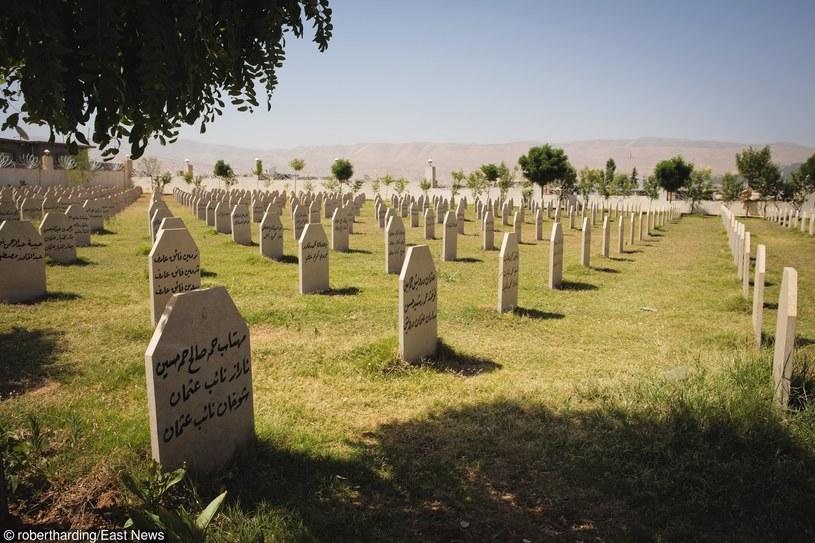 Cmentarz ofiar ataku chemicznego z marca 1988 roku /East News