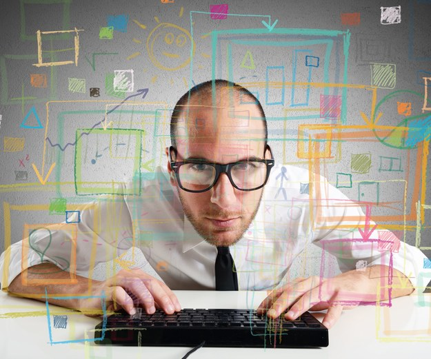Co druga osoba pracująca w branży IT w ubiegłym roku zarobiła ponad 6000 zł brutto /123RF/PICSEL