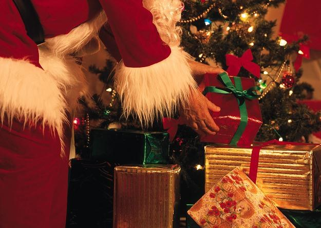 Co dzieje się z ludźmi w okolicach Bożego Narodzenia? /© Bauer