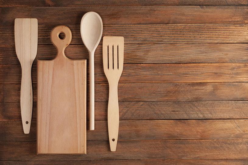 Co kilka miesięcy konserwuj drewniane narzędzia kuchenne /©123RF/PICSEL
