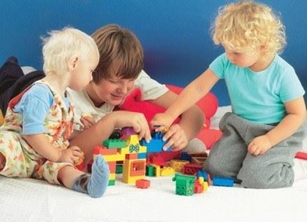 Co może mieć wpływ na wzrost dziecka? /INTERIA.PL
