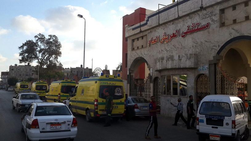 Co najmniej 100 bojowników i 17 żołnierzy zabitych na Synaju /PAP/EPA