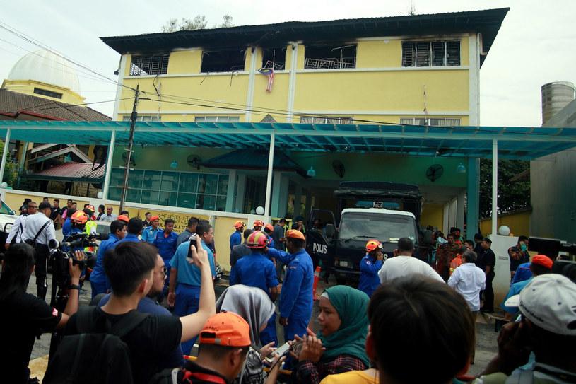 Co najmniej 25 osób zginęło w pożarze muzułmańskiej szkoły w Kula Lumpur /SADIQ ASYRAF /AFP