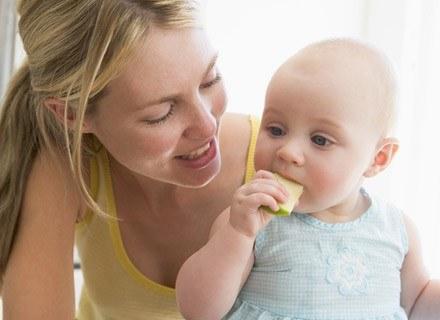 co powinno cię niepokoić i jak sobie radzić z pierwszymi mleczakami dziecka /© Panthermedia