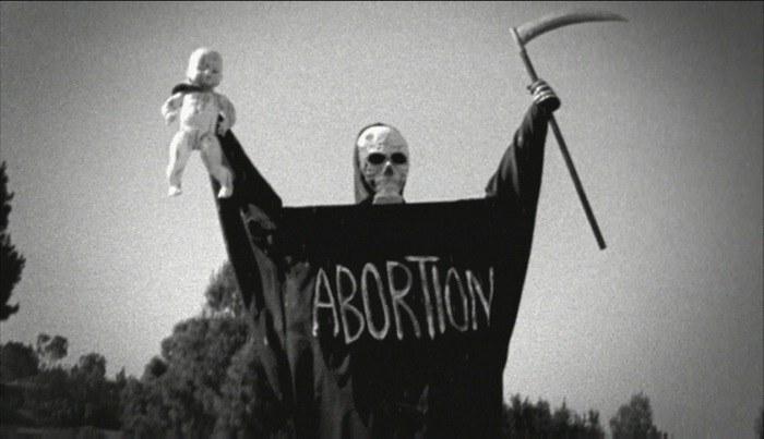 Co Rosjanie sądzą o aborcji? /AFP