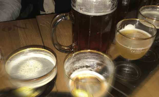 """""""Co wam zrobiło piwo? To powrót do PRL-u!"""". PiS chce ograniczyć sprzedaż alkoholu"""