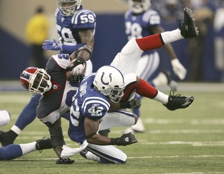 Colts - Bills 17-16. Anthony Thomas próbował popsuć plany ekipie z Indianapolis /AFP