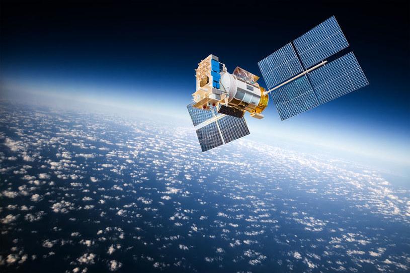 Coraz częściej pojawiają się pytania o bezpieczeństwo wykorzystywania sygnałów nawigacyjnych /123RF/PICSEL