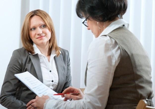 Coraz częściej pracodawcy decydują się na zbieranie rekomendacji na temat kandydata przed podjęciem decyzji rekrutacyjnej /© Panthermedia