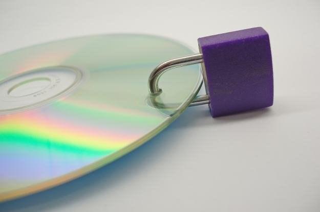 Coraz więcej firm mądrze dba o bezpieczeństwo danych  fot. Vangelis Thomaidis /stock.xchng